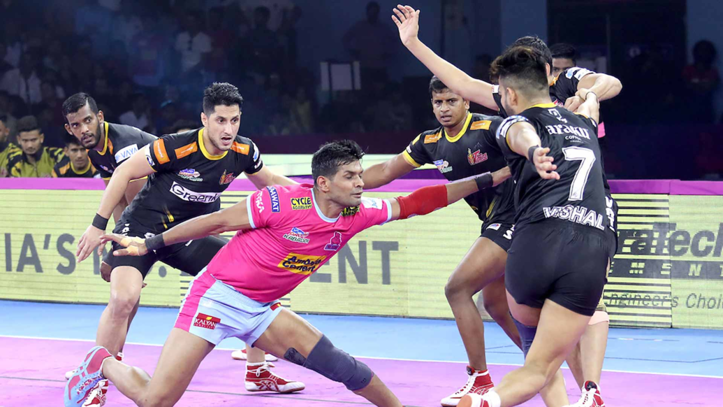 Deepak Hooda tries to keep Jaipur in the hunt