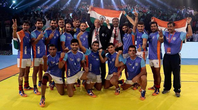 Balwan Singh with the Kabaddi World Cup 2016 winning team