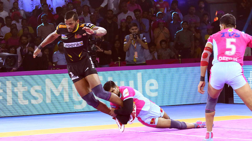 Siddharth Desai inflicted an All-Out on Jaipir Pink Panthers