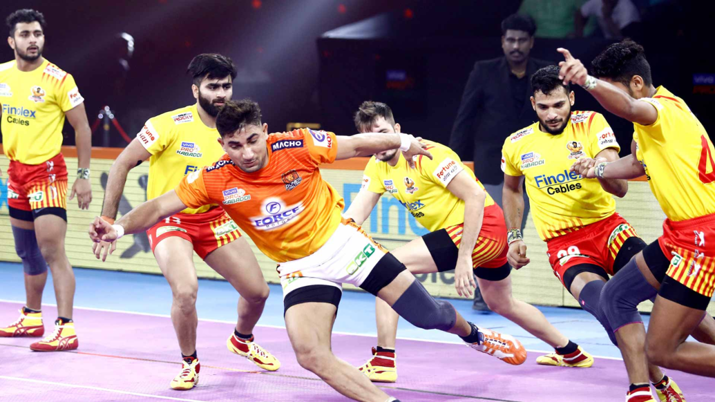 Nitin Tomar found his form back and completed first Super 10 of PKL 2019