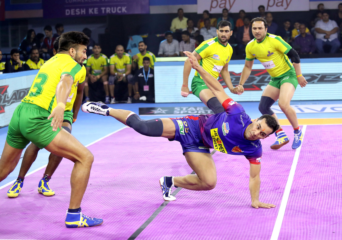 Meraj Sheykh does the kick against Tamil Thalaivas