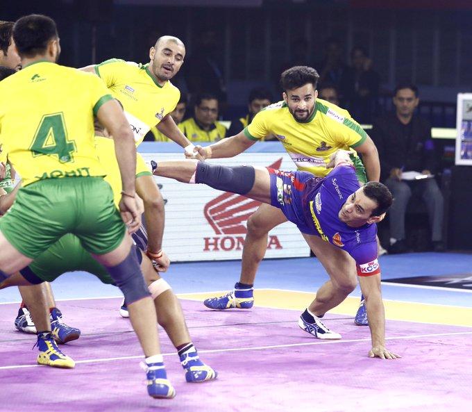 Meraj Sheyh performing a scorpion kick
