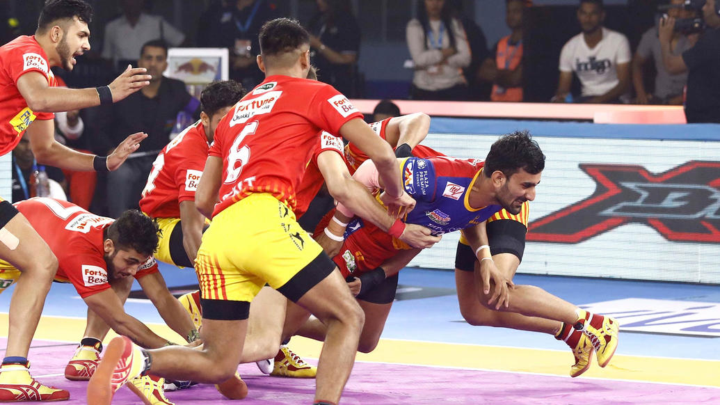 Surender Gill  in form against the mighty defense of Gujarat
