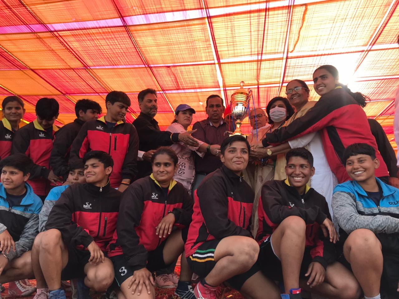Dwarka Women with trophy