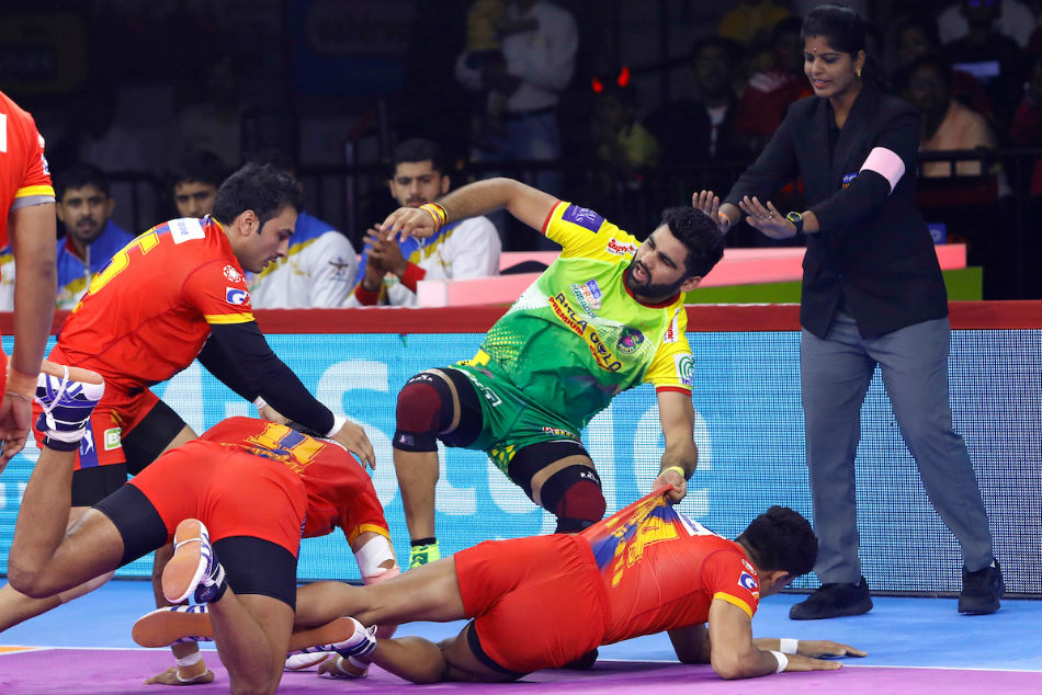 Pardeep Narwal tackled by  the UP Yoddhas defense