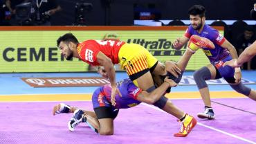 sachin tanwar against dabang delhi