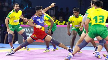 Shrikant Jadhav against Tamil Thalaivas