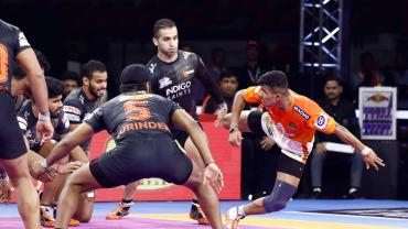 Puneri Paltan UMumba battle ends in a tie Pro Kabaddi News Match 75