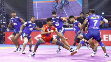 Shrikant Jadhav against Haryana Steelers