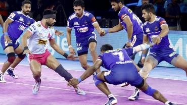Haryana Steelers against Jaipur Pink Panthers