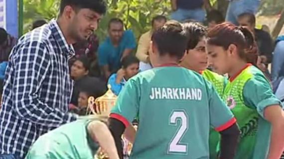 Tejnarayan coaching the Jharkhand Kabaddi team